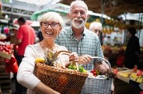 Dieta dla seniora – jak powinno wyglądać żywienie osoby starszej?