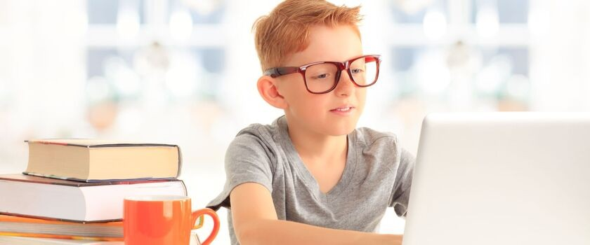 Jak zadbać o wzrok dziecka w roku szkolnym?