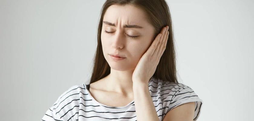 Przewiane ucho – przyczyny, objawy, leczenie, domowe sposoby