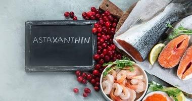 Astaksantyna jako cenny antyoksydant – jakie ma właściwości i gdzie można ją znaleźć?