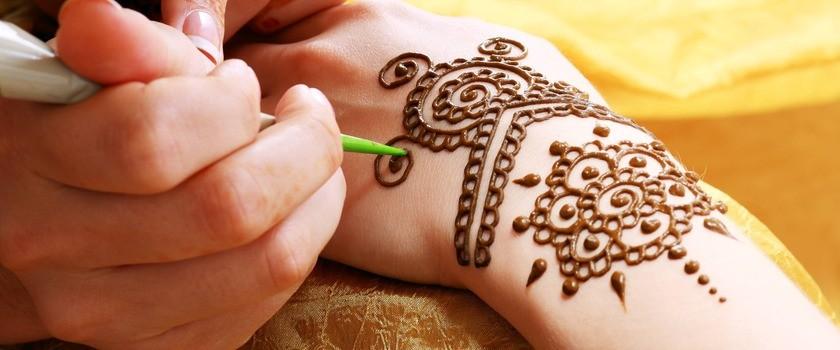 Tatuaż z henny dla dzieci i dorosłych – czy jest bezpieczny?