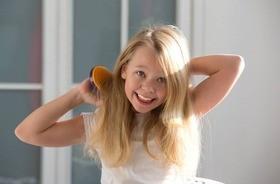 Wypadanie włosów u dziecka – przyczyny, diagnostyka i leczenie. Jakie witaminy na wypadające włosy u dzieci?