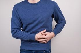 Ból brzucha z lewej strony – co może oznaczać?