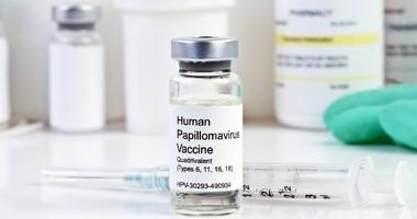 Szczepionka przeciwko HPV – z czego wynikają problemy z jej dostępnością w Polsce?