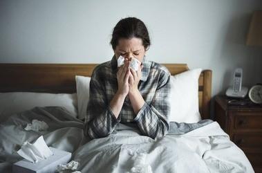Grypa – co ją powoduje i jak sięobjawia? Jak skutecznie leczyć grypę?
