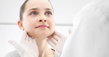 Typowe objawy zapalenia migdałków