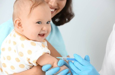 Szczepionka przeciw pneumokokom – charakterystyka, cena, skutki uboczne szczepionki