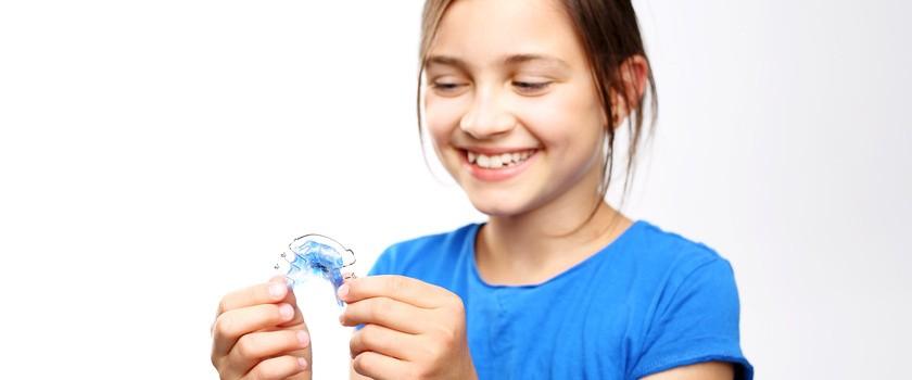 Tyłozgryz, przodozgryz, czy zgryz otwarty? Poznaj najpopularniejsze wady zgryzu i dowiedz się jak je leczyć!