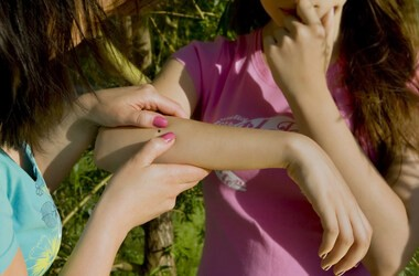 Kleszczowe zapalenie mózgu – przyczyny, objawy, leczenie, szczepionka