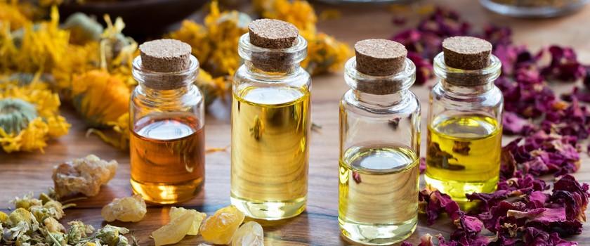 Naturalne olejki do twarzy – jak ich używać?