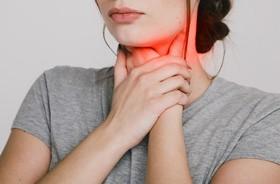 Dysfagia (zaburzenia połykania) – przyczyny i objawy. Jak wygląda leczenie problemów z przełykaniem?
