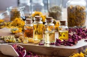 Olejki ziołowe — właściwości i zastosowanie
