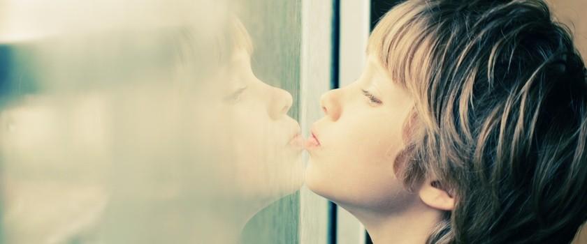 Poznaj i zaakceptuj: trwa Europejski Tydzień Pomocy Dzieciom i Osobom Autystycznym