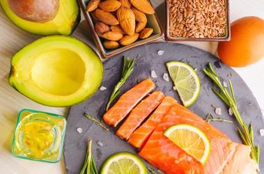 Kwas DHA – czym jest i za co odpowiada jeden z kwasów omega–3? Suplementacja DHA dla kobiet w ciąży i dzieci