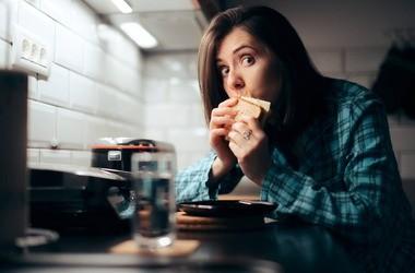 Polifagia (hiperfagia) – co to takiego? Jaki ma związek z cukrzycą?