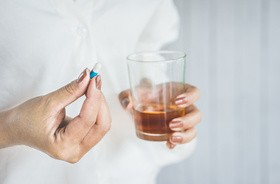 Przyjmowanie leków a picie alkoholu