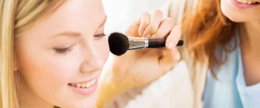 Kosmetyki dla nastolatki. Na co zwrócić uwagę przy wyborze?