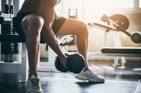 Trening siłowy – zasady i efekty ćwiczeń siłowych. Wskazówki dla osób początkujących