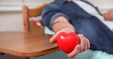 Troponina – badanie i normy. Czy podwyższony poziom troponin zawsze świadczy o zawale serca?