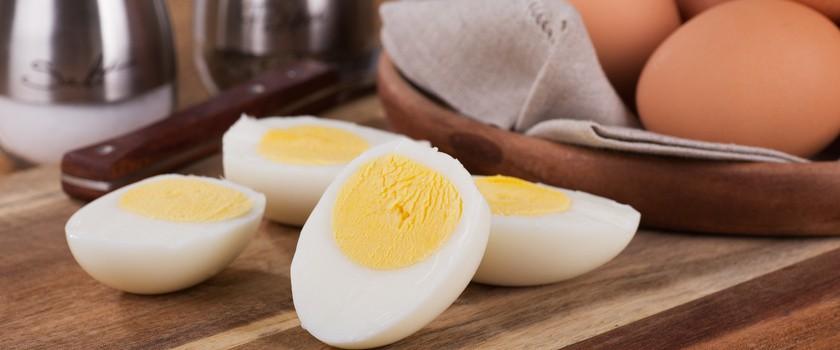 Jajka a cholesterol. Czego unikać w Święta Wielkanocne, aby sobie nie zaszkodzić?
