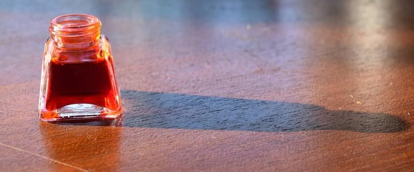 Czerwień koszenilowa (E124) – właściwości i zastosowanie. Czy ten barwnik jest szkodliwy?