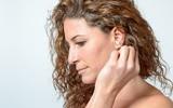 Płukanie uszu – czy czyszczenie uszu domowymi sposobami jest bezpieczne?