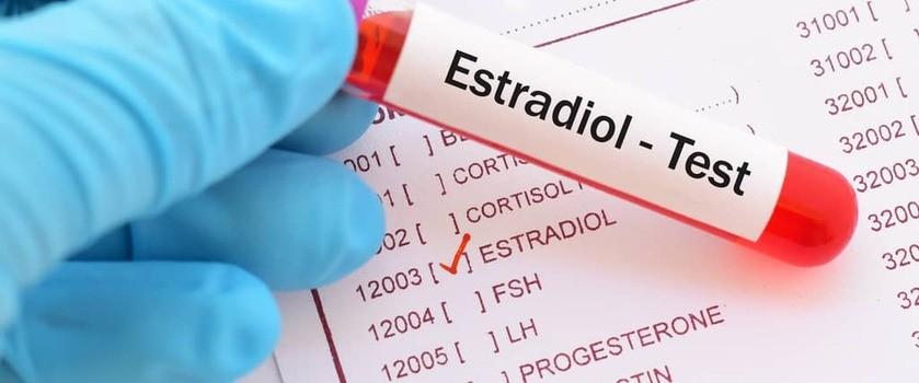 Estradiol (E2) – normy. Kiedy badać, jak zwiększyć poziom hormonu? Interpretacja wyników