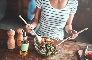 Jakie owoce i warzywa można jeść, karmiąc piersią?