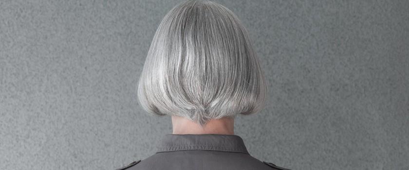 Siwienie włosów jest odwracalne, twierdzą naukowcy. Jak to możliwe?