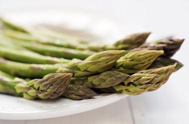 Szparagi – niskokaloryczne i zdrowe
