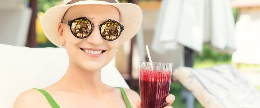 Dieta przy chemioterapii – jak powinna wyglądać? Zasady, produkty, przepisy, jadłospis. Co jeść po zakończonym leczeniu onkologicznym?