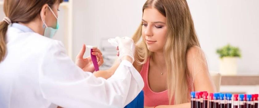 LH (lutropina) – badanie, normy, za niska, za wysoka. Wskazania i interpretacja wyników hormonu luteinizującego