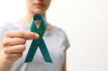 8. maja obchodzimy Światowy Dzień Świadomości Raka Jajnika – jak się ustrzec przed chorobą? Jakie są najnowsze terapie w leczeniu raka jajnika?