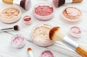 Makijaż, który pielęgnuje. Kosmetyki mineralne, kremy BB i CC