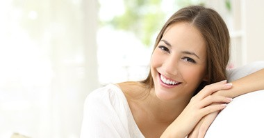 Suplementacja uśmiechu. Czy suplementy diety pomagają w zachowaniu zdrowych zębów?