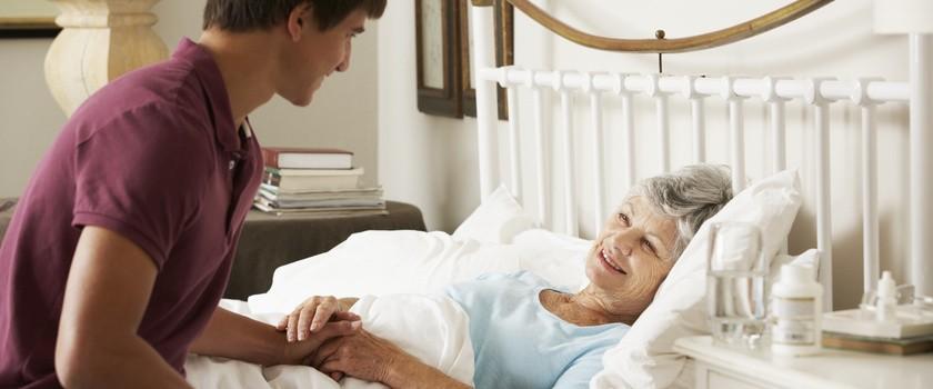 Jak dbać o higienę pacjenta leżącego?