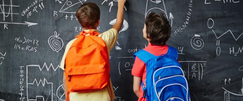 Uczniowskie tornistry powodują wady postawy