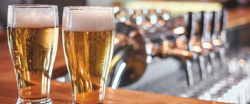 Posłowie chcą ograniczyć reklamy alkoholu
