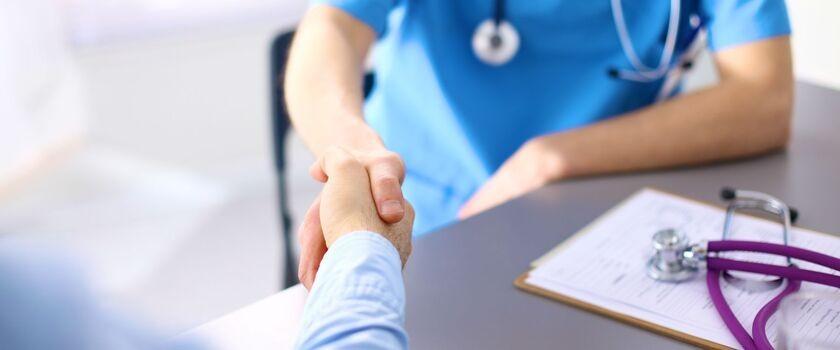 Zagraniczni pacjenci coraz chętniej leczą się w Polsce