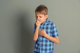 Suchy kaszel u dziecka – przyczyny, objawy i leczenie