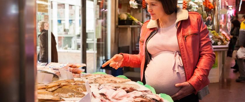 W ciąży warto jeść owoce morza
