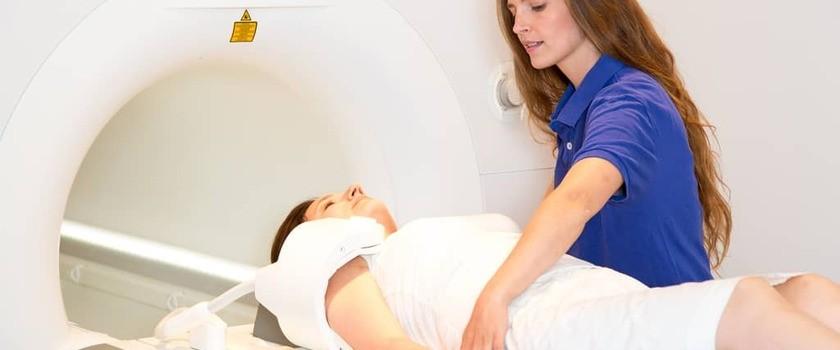Tomografia komputerowa (TK) barku  – badanie, wskazania, przeciwwskazania, refundacja i cena