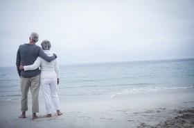 """Talasoterapia – na czym polega """"terapia morzem"""" i komu się ją zaleca?"""