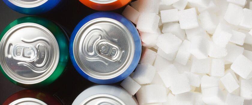 Brytyjski podatek cukrowy ma pomóc w walce z otyłością